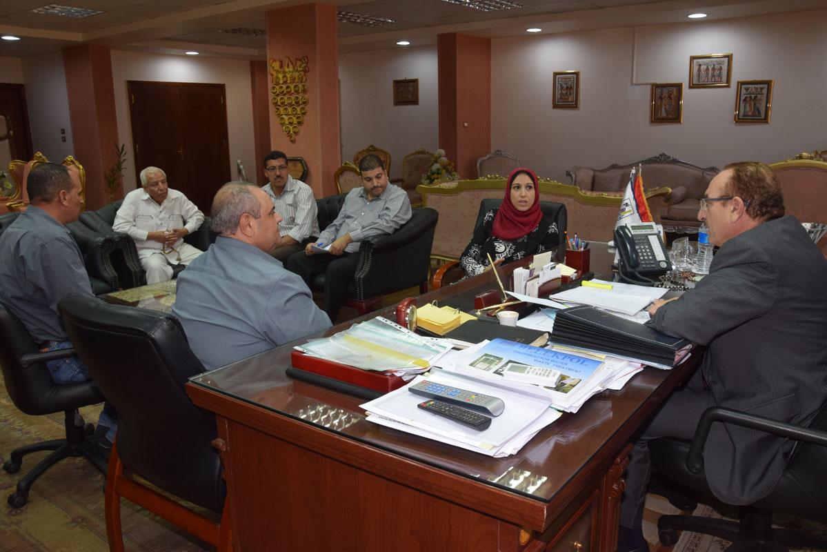 محافظ بني سويف يتابع مراحل تنفيذ مشروع تنمية القري وتمكين المرأة الريفية