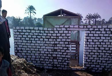 بالصور إنشاء سور حول مأخذ مياه وحملات نظافة بقرى إهناسيا