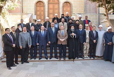 في زيارته لديري ناصر و مطرانية ببا :محافظ بني سويف  يهنئ  الأخوة  المسيحيين  بعيد الميلاد المجيد