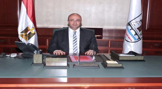 المحافظ الدكتور محمد هاني غنيم  يشكر أحد المواطنين لتبرعه بـ 100 ألف جنيه لمبادرة بني سويف معاك لمجابهة الأزمات