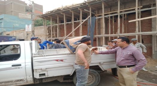 التحفظ على خلاطة ومواد بناء أثناء حملة لرفع الإشغالات نفذتها الوحدة المحلية لمركز ومدينة الفشن